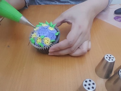 How to make buttercream flowers with Russian TIPS