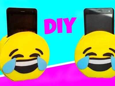 DIY EMOJI PHONE CHARGER & HOLDER
