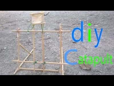 How to make an easy Catapult from chopsticks and rubber bands.