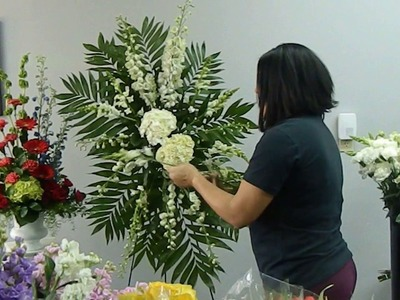 How to Make Standing Spray Floral Arrangement for a Funeral