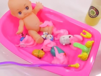 [Do It Yourself] Learn Color - DIY Surprise Toys Baby Doll Colors Bubble Bath Time Learn Colors