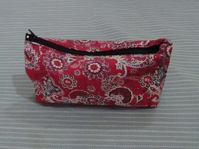 Simple Lining Zippered Pouch