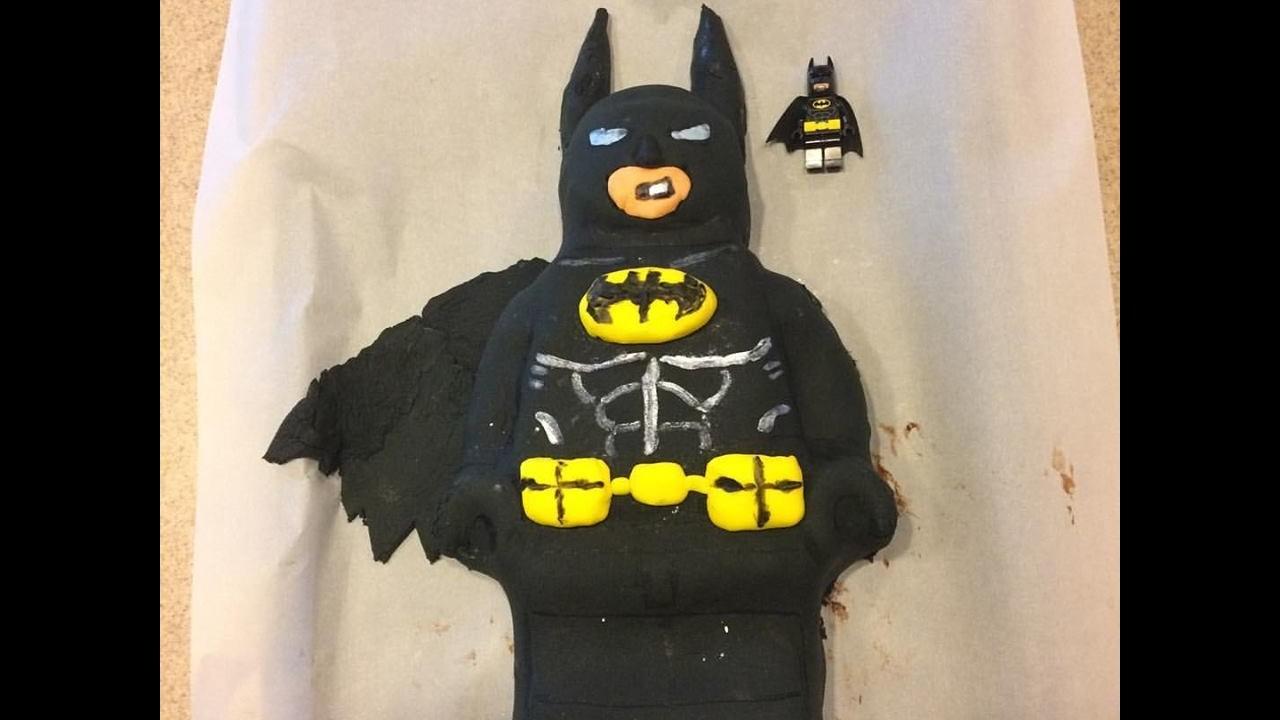 How to Make a LEGO Batman Movie Cake!