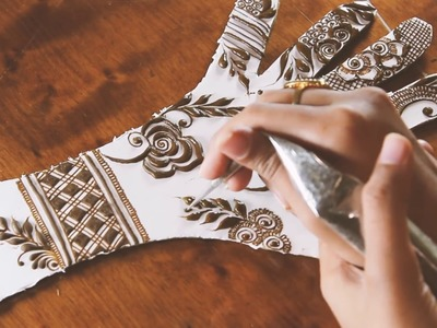 How To Apply Simple Floral Mehndi Design