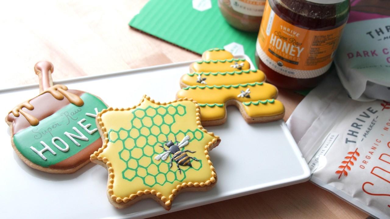 How To Decorate Honey Bee Cookies!