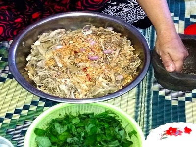 How To Make Banana Flower Salad With Beef Stomach - Cambodian Food In My Village