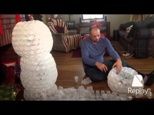 Making snowman made with plastic cups 2015