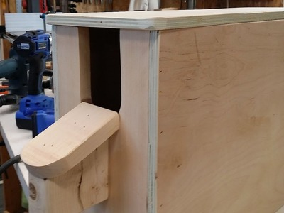 DIY- Disbudding.dehorning box for goats of all sizes! Step by step.