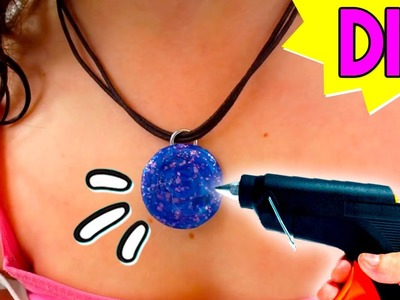 DIY HOT GLUE Galaxy Brooch! * BROCHE Galaxia casero con SILICONA ✅  Top Tips & Tricks in 1 minute
