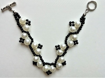 DIY White and Black Bracelet. Step by Step Beading Instructios