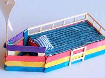 Popsicle stick Crafts - DIY Boat Bed
