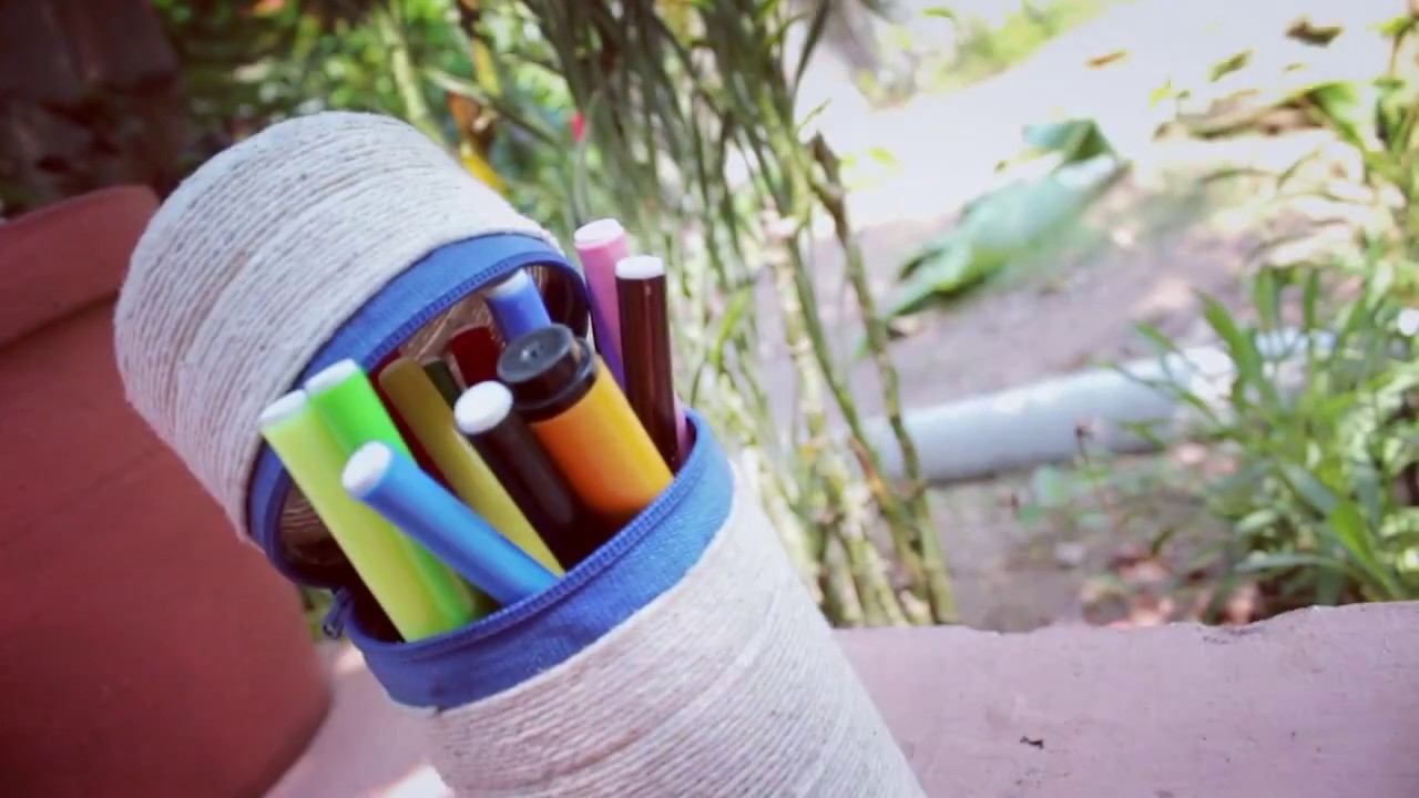 How to make a Pencil Holder. Pen Stand from plastic bottles in 2 minutes