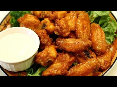Crispy Chicken Wings - Baked Hot Wings w. Buffalo Wing Sauce