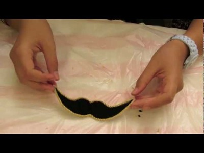 DIY: How to make a Mustache Hair clip