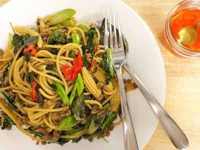 Drunken Spaghetti Recipe (Pad Kee Mao) ผัดขี้เมา - Hot Thai Kitchen