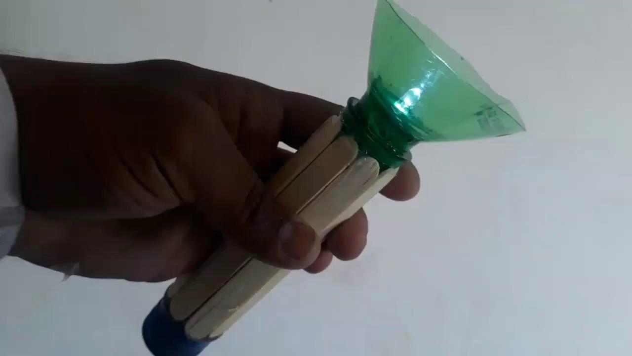 How to make Flashlight Using Plastic Bottles    popsicle sticks LED TORCH