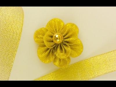 DIY: Kanzashi brooch by glitter ribbon