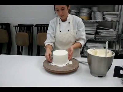 Frosting a Cake with Buttercream