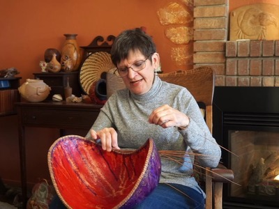 60 Sec Gourd Basket Weaving How-to:  Pine Needles