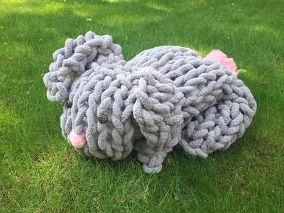 How to hand knit a chunky Easter Bunny with no needles. BeCozi