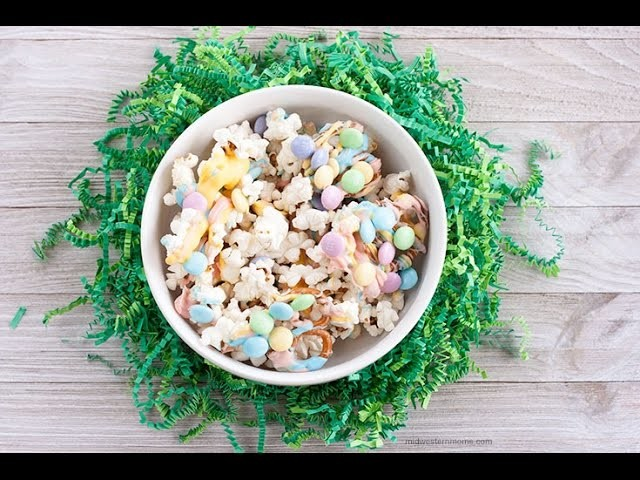 How to Make Easter Popcorn Snack Mix