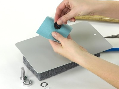 How to apply Dritz Fashion Grommets
