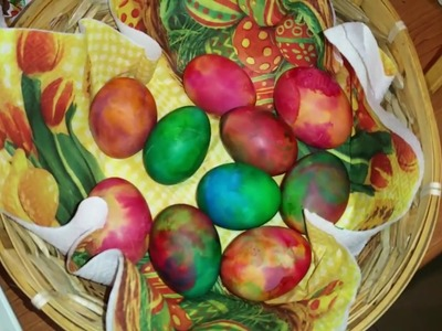 How to dye Easter eggs painting with shaving foam and food colorants