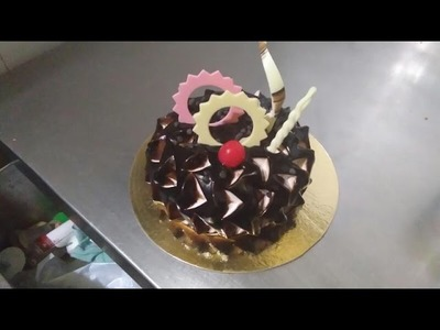 How To Decorate and Icing Chocolate Cake - Easy Cake Decoration