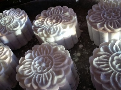 How to Make Bath Bombs Using the Moon Cake Press