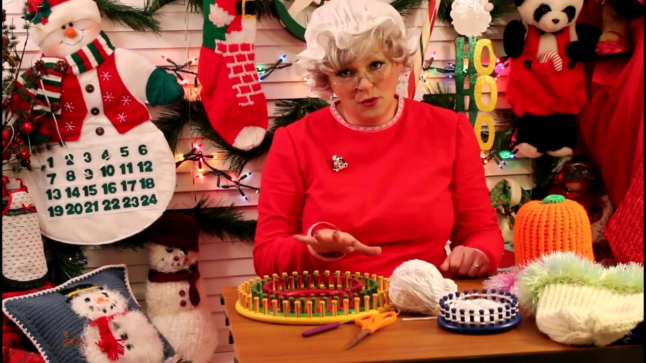 Crafting with Claus 2016 - Day 10: Knitting Loom