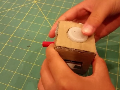 Simple DIY fidget cube with recycled materials