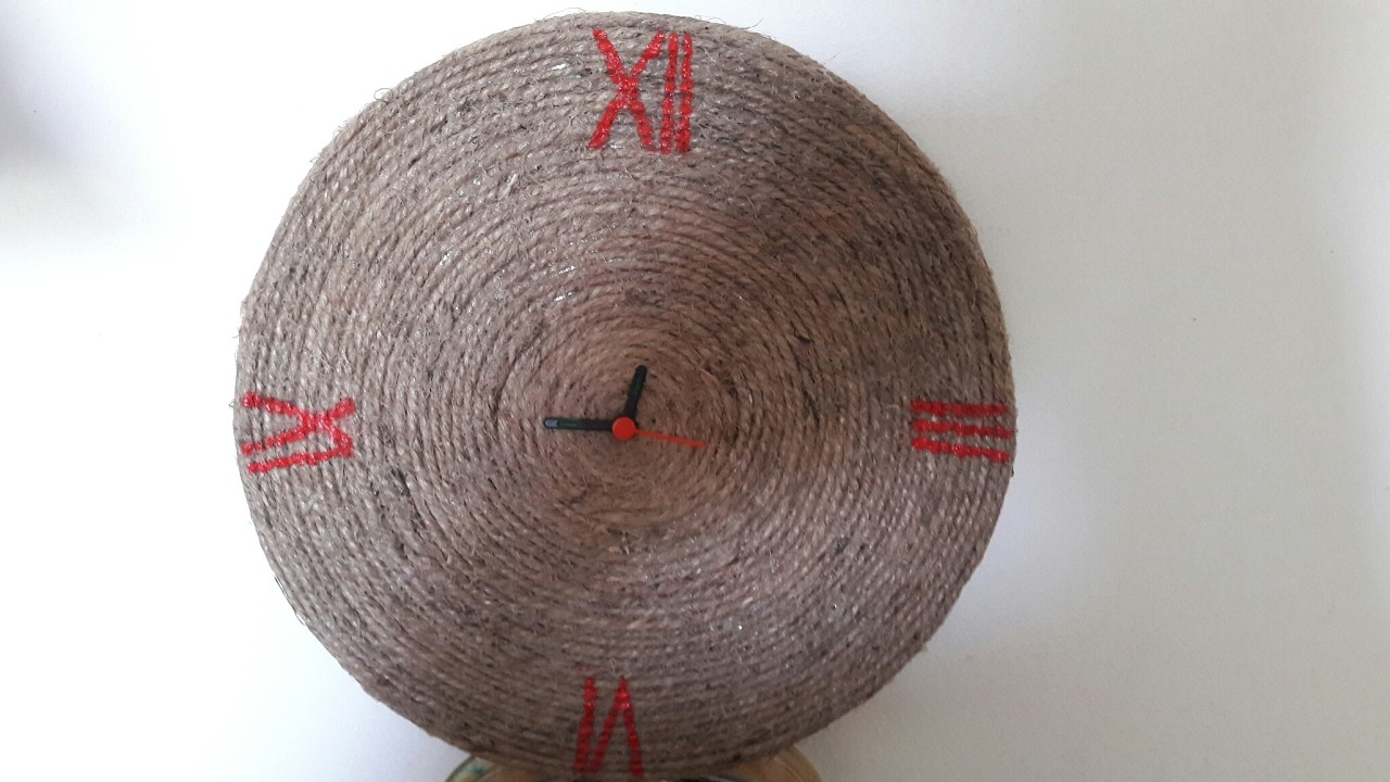 Diy wall clock how to make a wall clock with rope mommy for How to make a rope wall