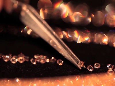From inspiration to store - discover how a Swarovski Stardust piece is made