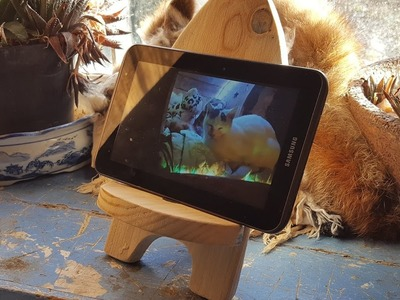 Mini Viking Chair DIY Phone Holders Pallet Wood Hack