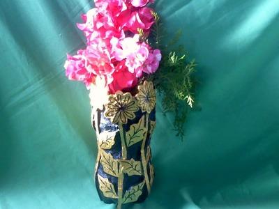 Facil  florero  con botella desechable