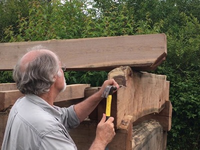 """Handmade House TV #26 """"The Top of a Tiny Log Cabin"""""""