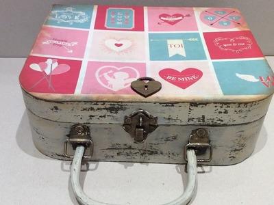 San valentín - Maleta decorada con chalk paint y papel de scrapbooking- creavea