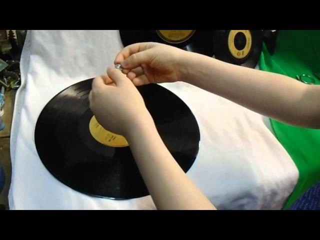 How to build a vinyl record cake stand