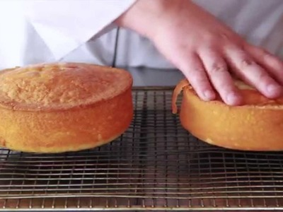 How To Crumb Coat A Cake
