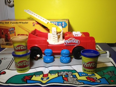 PLAY-DOH Pumper Number 9 Fire Engine Playset Play-Doh Playset Toy