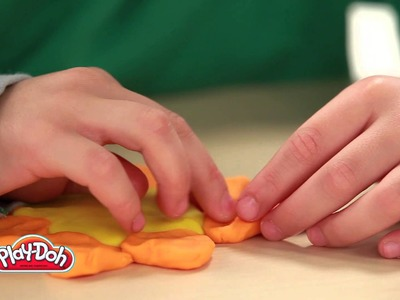 Smyths Toys - Play-Doh Classic Colours 4 Pack