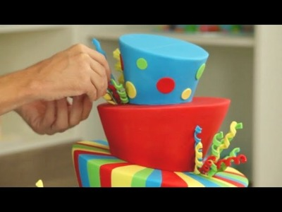 How does it stay up? Amazing Topsy Turvy Cake Timelapse - CAKE STYLE