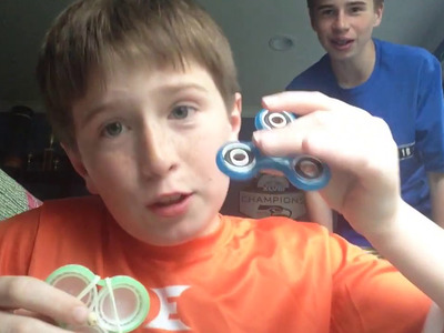 How to make easy glow in the dark fidget spinner in 5 minutes (NO BARRINGS!)