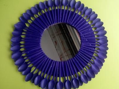 Espejo con cucharas