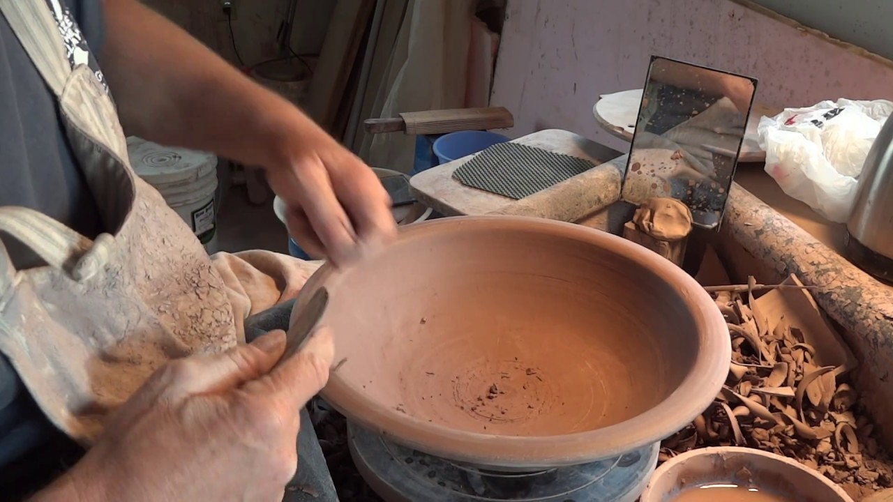 How to trim a 6lb open bowl with Simon Leach !