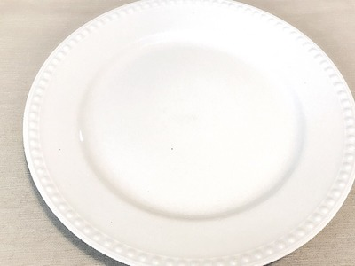 One Plate Three Styles    using one white plate you can create many different styles