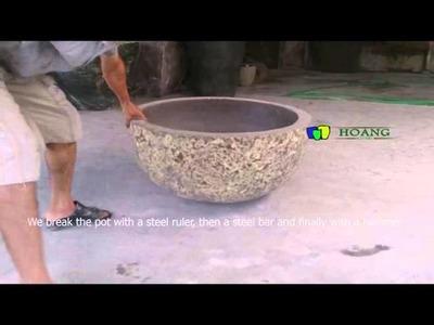 Vietnam Pottery supplier : break down the lightweight concrete pot with hammer www.hoangpottery.com