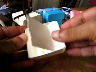 Assembling the 2 x2 Italian wedding favor boxes | Newfavors.com