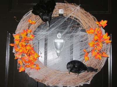 DIY Cute and Simple Halloween Wreath