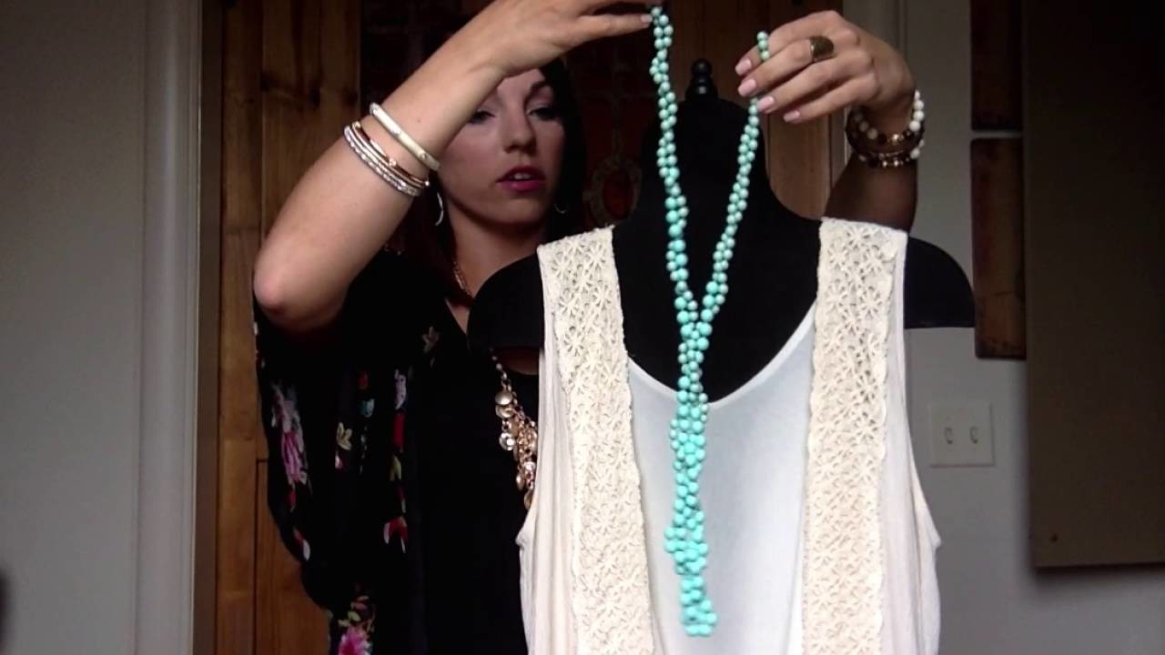 A Few Minutes of Fashion with Chelsey Knapp - Seabreeze Necklace Versatility